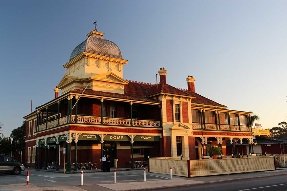 Historic Peninsula Hotel building, Maylands