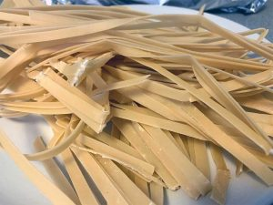 Making fettuccine at home