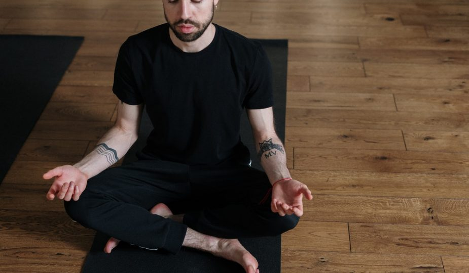 How to Have Great Meditation Posture by Using a Meditation Stool